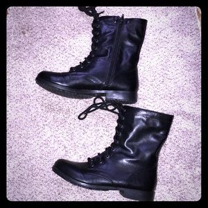 Woman's 9 1/2 boots